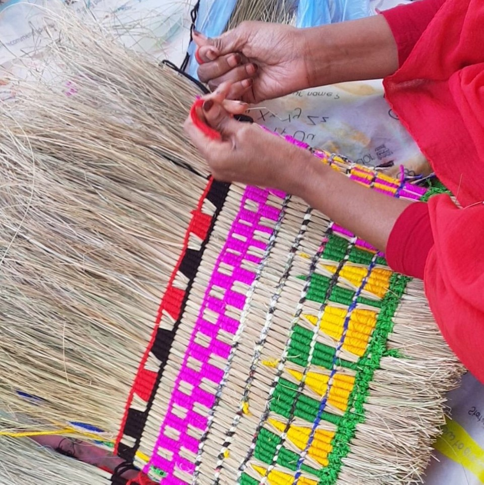weaving with Muhubo